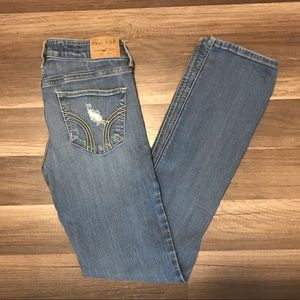 Hollister low Rise Straight Leg Jean, Size 3